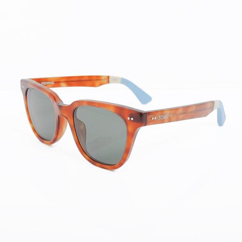 50年代のブルースミュージックから影響を受けたヴィンテージスタイルのサングラス